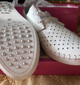 Полу ботинки