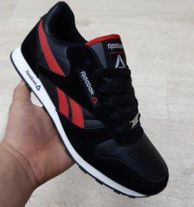 Новые кроссовки р.43