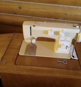Швейная машинка Чайка 142М