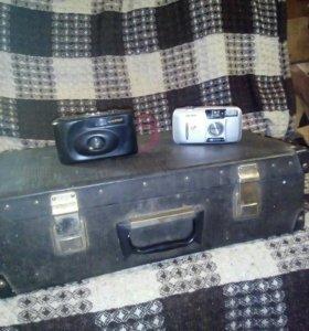 Чемодан и 2 фотопарата
