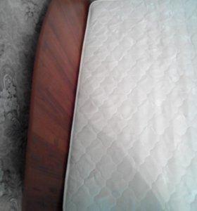 Кровать просторная