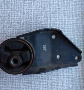 Опора двигателя левая 2108-09,99