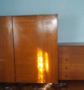 Шкаф для одежды и комод