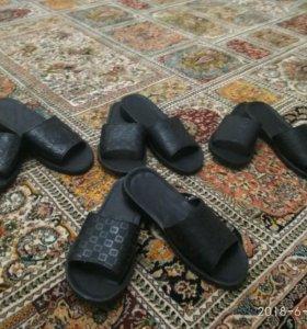Новые мужские тапочки