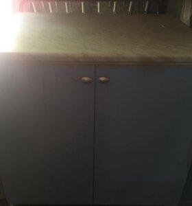 Кухонный стол + тумба и шкаф