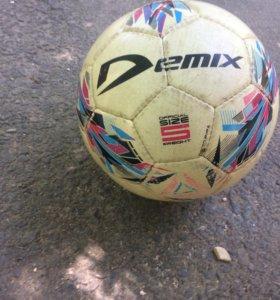 Футбольный мяч Demix FIFA