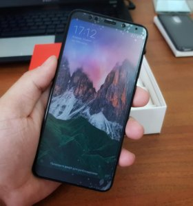 Новенький Xiaomi Redmi 5 Plus