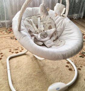 Укачивающий центр Graco snuggle swing