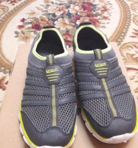 Спортивная обувь Sprandi