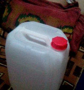 Канистра 20 литров б/у пластмасовая в наличии