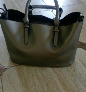Кожаная сумка серебристого цвета