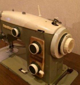 Отдам швейную машинку немецкую Veritas в дар.