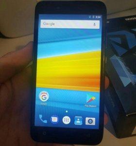 Новый смартфон - 8 Гб, 8 Мп, андроид 7