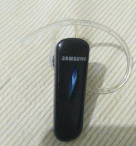 Bluetooth наушник