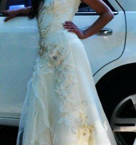 Роскошное вечернее или свадебное платье