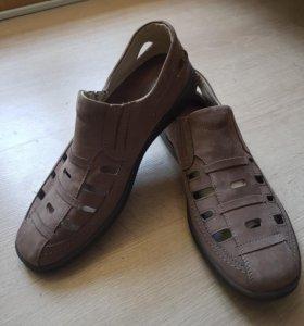 Новые ботинки сандали