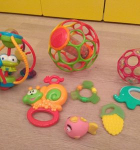 Развивающие игрушки, погремушки до 2 лет
