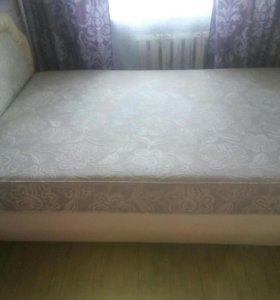 Продам практически новую двухспальную кровать