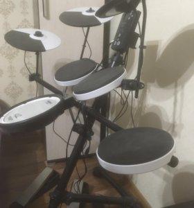 Электронная барабанная установка Roland TD1 KV