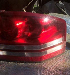 Фонарь задний правый Dodge Avenger 2009
