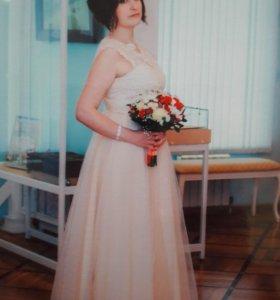 Продам платье в идеальном состоянии.