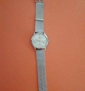 Часы 1 часы 150 рублей 2 часы 100 рублей