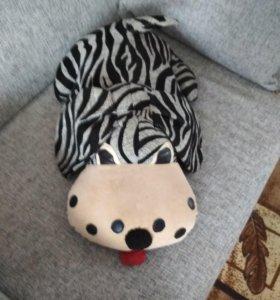 Игрушка - подушка на диван