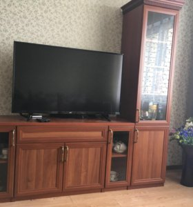 Мебель 2 предмета ( комод+колонка-витрина)