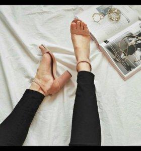 Туфли / босоножки