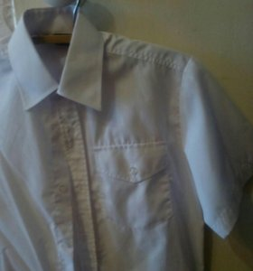 2 белые рубашки для мальчика до 146 см