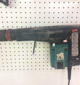 Отбойный молоток Makita HM1100c