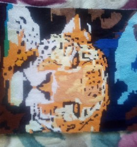 Картина ручной работы вышита крестиком ЛЕОПАРД