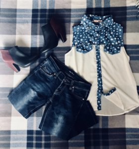 Джинсы + блузка + ботильоны