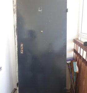Дверь входная металлическая с рамой