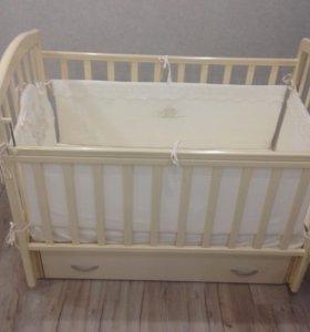 Кроватка детская с поперечный маятником