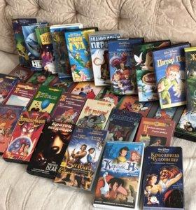 Диски и видеокассеты с мультфильмами