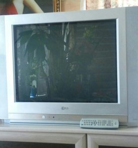 Телевизор LG, 70см