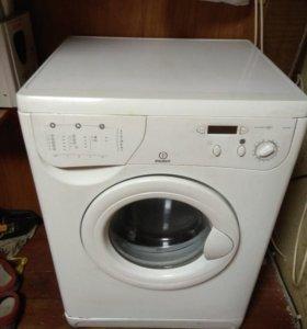 Стиральная машина Indesit WE105X