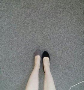 Новые,идеальные замшевые туфли tamaris черные
