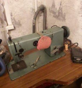 Швейная машинка 22го класса со столом