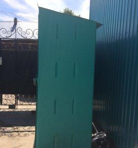Продам металлический шкаф для сада и огорода .