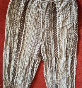 Легкие штанишки 44 размера