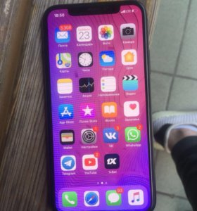iPhone X 64 GB Space Gray + беспроводные наушники