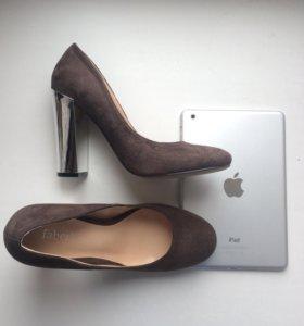 Туфли с зеркальным каблуком