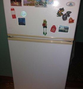 Холодильник на запчасть.