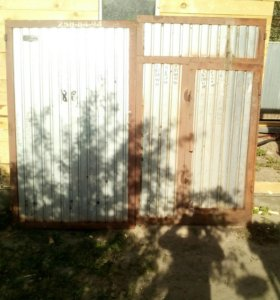 Ворота гаражные с колиткой