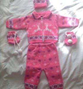 Вязаные тёплые костюмы ( от 3-6 месяцев)