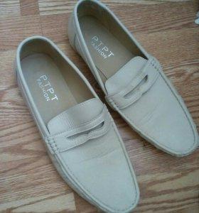 Отдам даром туфли муж