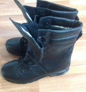 Берцы- ботинки с высоким рифленым протектором