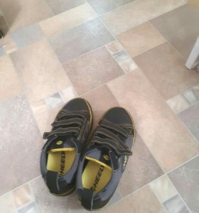 Рольковые кросовки
